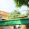 Puente peatonal construido por FONPER facilita circulación en la zona sur de Santiago.