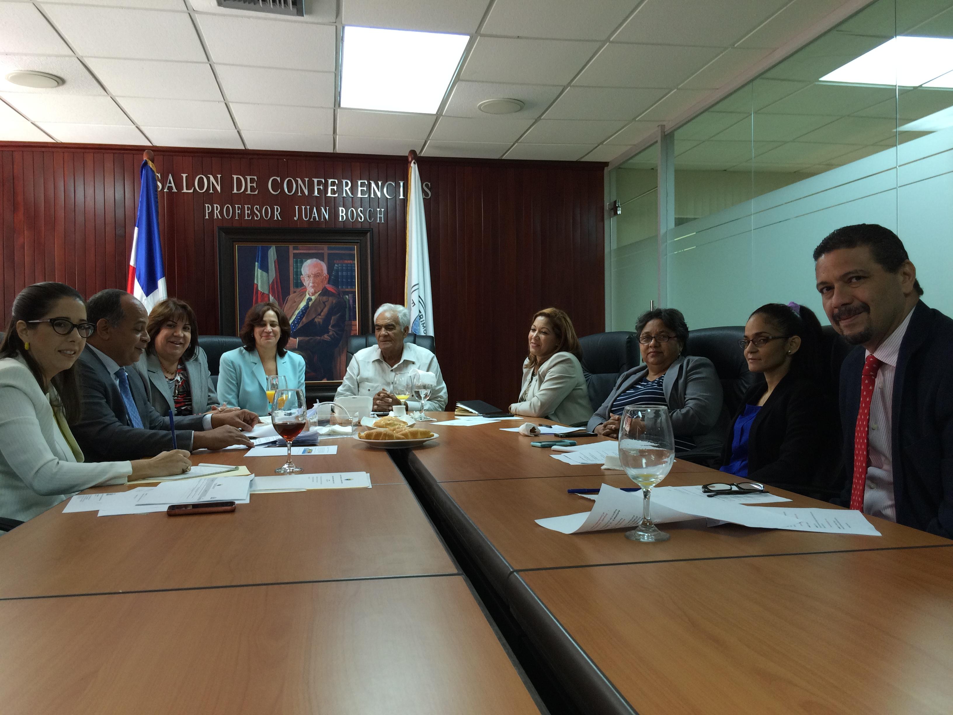 Comisión de ética de Fonper realiza encuentro